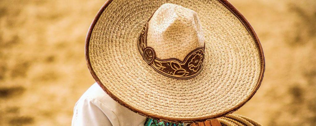 ¿De dónde viene el sombrero de charro?